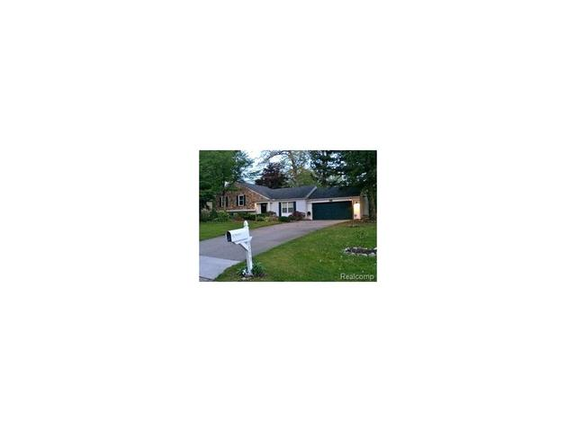 5133 Chestershire Ct, West Bloomfield, MI