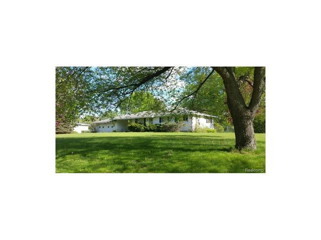 5235 Pine Knob Trl, Clarkston, MI