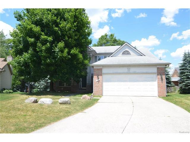 756 Forestberry Ct Milford, MI 48381