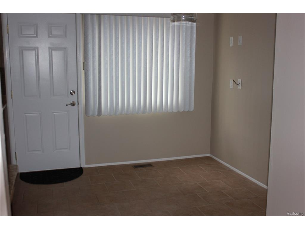 Mfi Replacement Kitchen Doors 23648 Lahser Rd 18 Southfield Mi For Sale Mls 216117842 Movoto