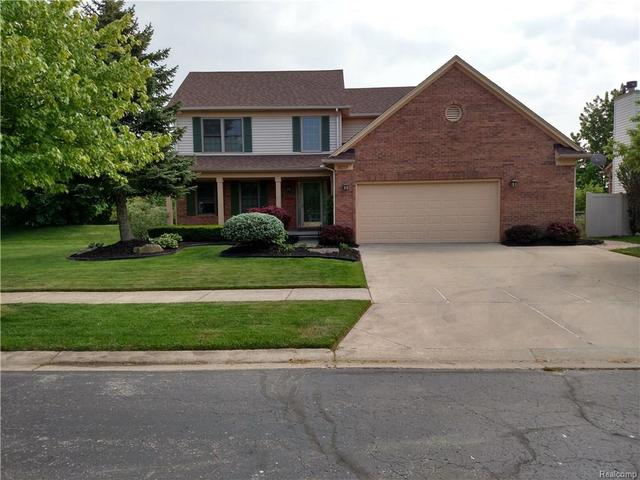 21275 Mill Creek Cir, Brownstown Twp, MI 48183