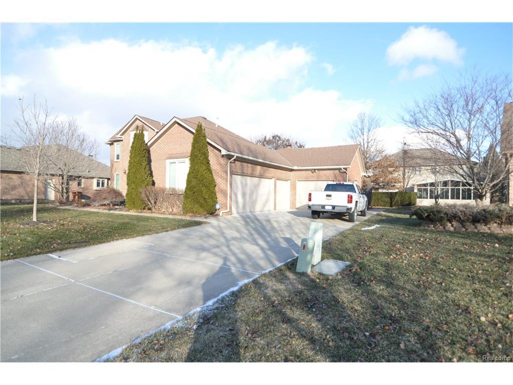 47136 Robins Nest, Shelby Township, MI 48315