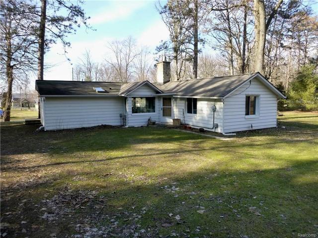 10624 Pine Bluff AveHamburg Twp, MI 48189