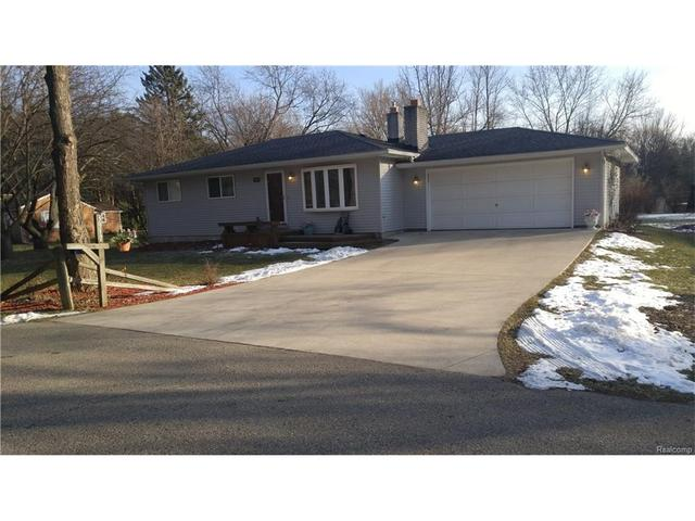 3917 Shelby CtWaterford Twp, MI 48328
