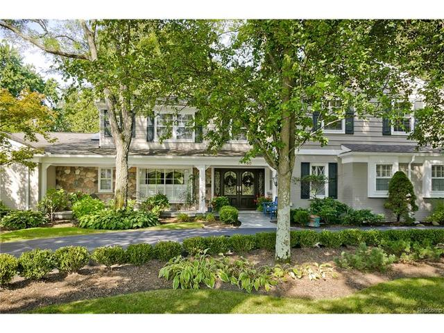 760 Kennebec Ct, Bloomfield Hills, MI 48304