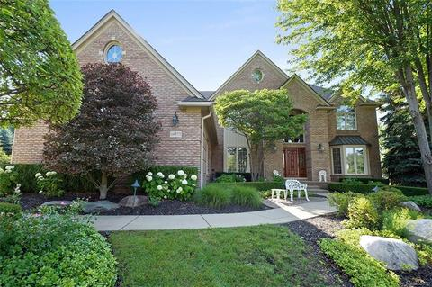 54875 Alexis Ct, Shelby Township, MI 48316