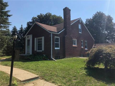 49575 7 Mile Rd, Northville Township, MI (37 Photos) MLS# 218092432 ...