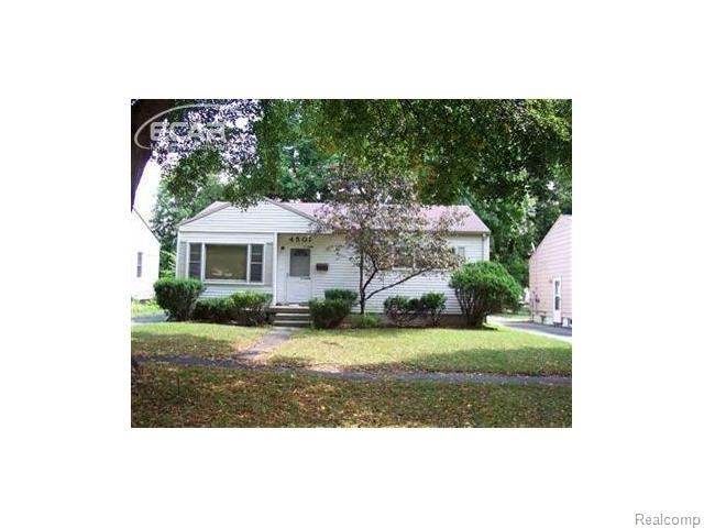 4501 Huckleberry Ln, Flint, MI
