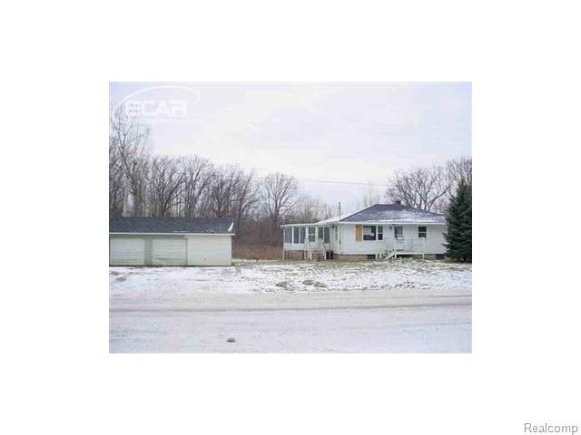 2427 E Farrand Rd, Clio, MI
