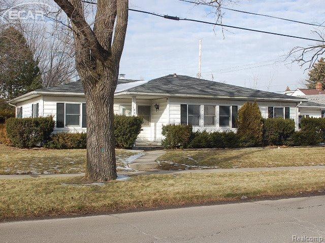 440 Westcombe Ave, Flint MI 48503