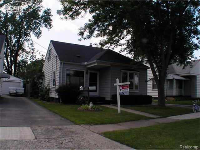 3925 Clairmont St, Flint MI 48532