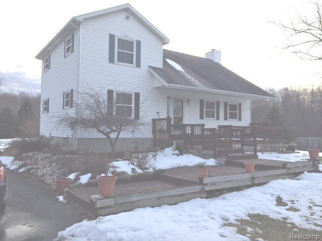 2749 Carpenter Rd, Lapeer, MI