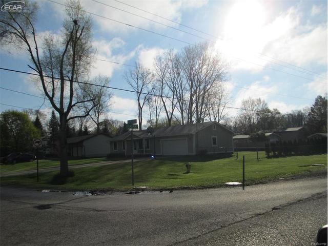 1257 Gilbert St, Flint MI 48532