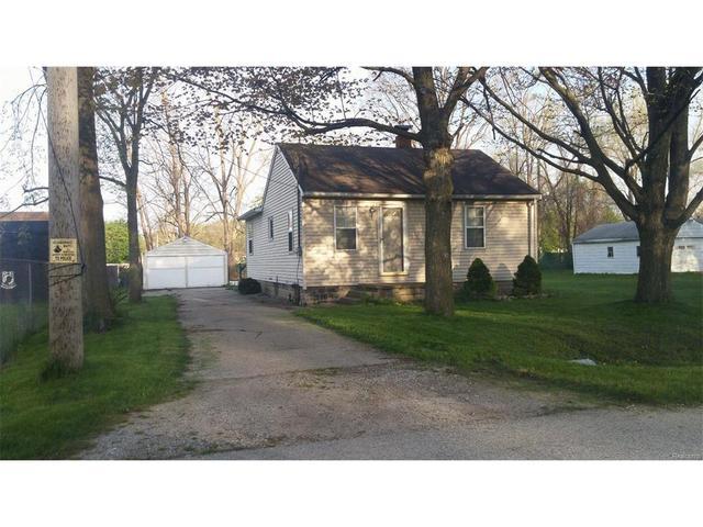 1600 Eberly Rd, Flint MI 48532