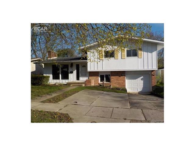 1810 Greenbriar Ln, Flint MI 48507