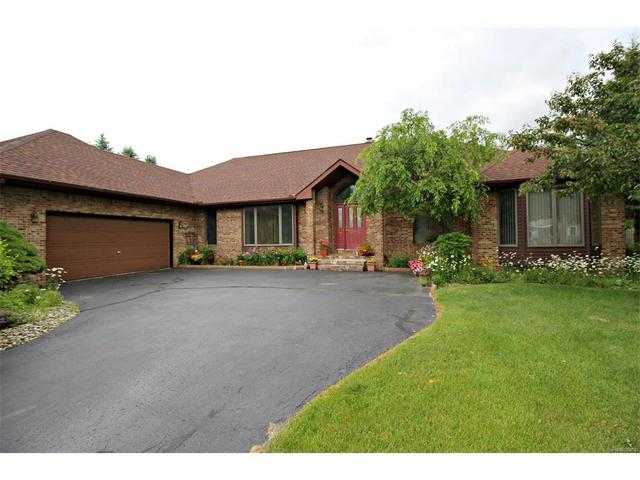 6475 Hickory Hollow Ct Flint, MI 48532