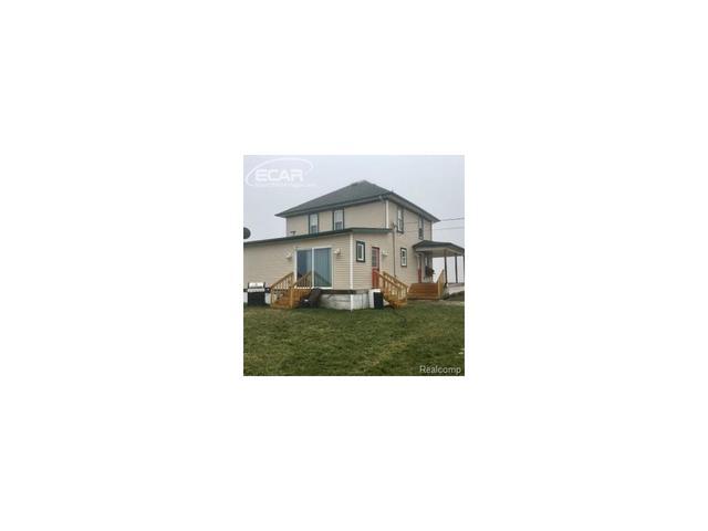 8343 Nichols Rd, Gaines, MI 48436