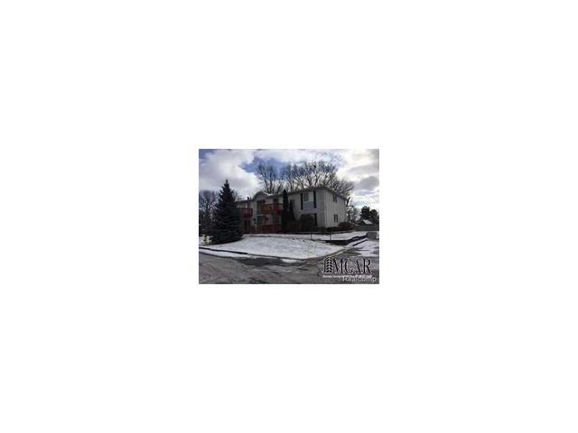 1736 Fort St, Trenton, MI 48183