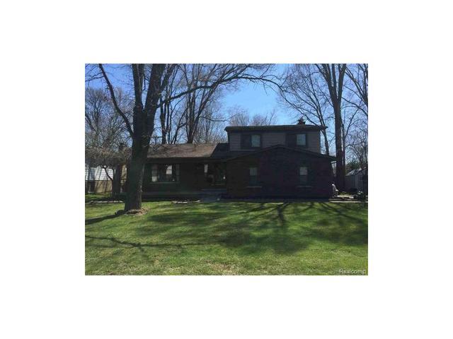 18887 Millar Rd, Clinton Township, MI