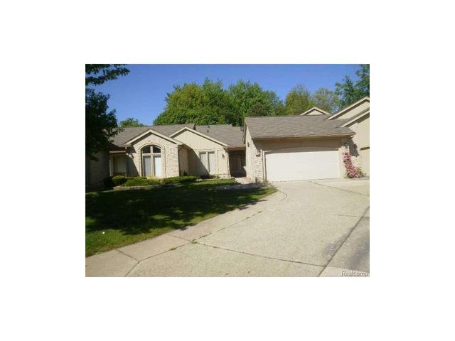 43074 W Kirkwood Dr Clinton Township, MI 48038