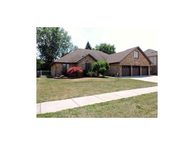16312 Woodstream Clinton Township, MI 48038