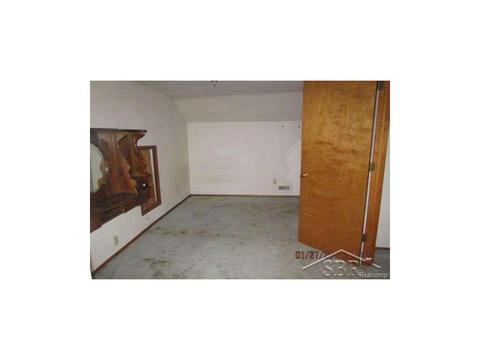 909 Polk St, Bay City, MI (19 Photos) MLS# 58031305416   Movoto