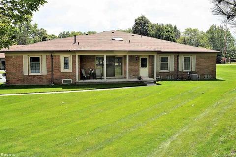 49106 Philadelphia Ct, Shelby Township, MI 48315