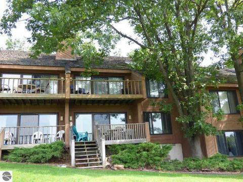 5828 Shanty Creek Rd #422, Bellaire, MI 49615