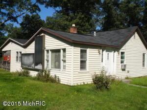 899 Chatterson Rd, Muskegon MI 49442