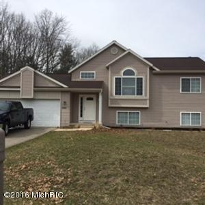1101 Copper Creek Dr, Muskegon MI 49442