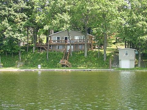 9055 Lake View Blvd, Rodney, MI 49342