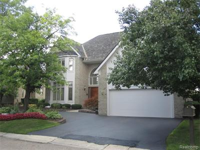5070 Oakbrooke, West Bloomfield, MI