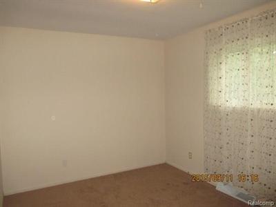 2489 Carpenter, Lapeer, MI