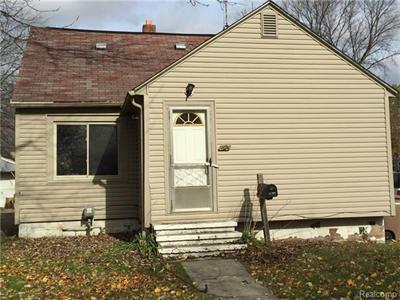 92 W Hopkins, Pontiac, MI