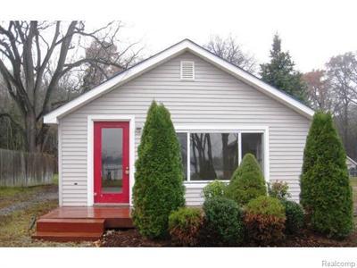 3494 Newton, Commerce Township, MI