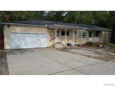 3302 Newton, Commerce Township, MI