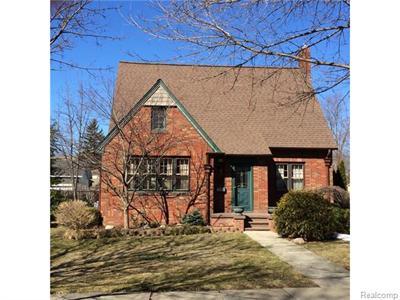 710 N Barnard, Howell, MI