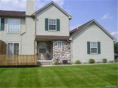 177 Barrington Cir, Lake Orion, MI