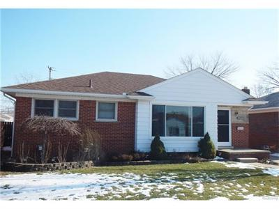 29260 Ursuline, Saint Clair Shores MI 48081