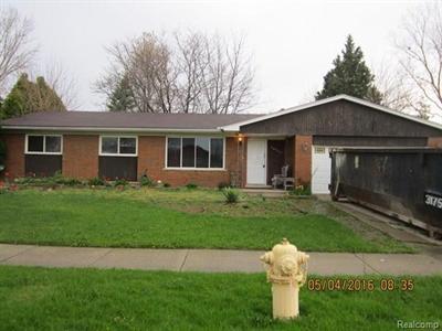 16557 Monticello Clinton Township, MI 48038
