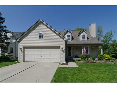 1405 Pond View Crse, Wixom, MI