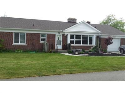 30280 South Riv, Harrison Township, MI