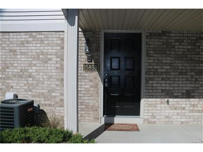 15853 N Franklin Clinton Township, MI 48038