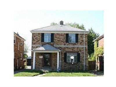 18425 Hartwell Detroit, MI 48235