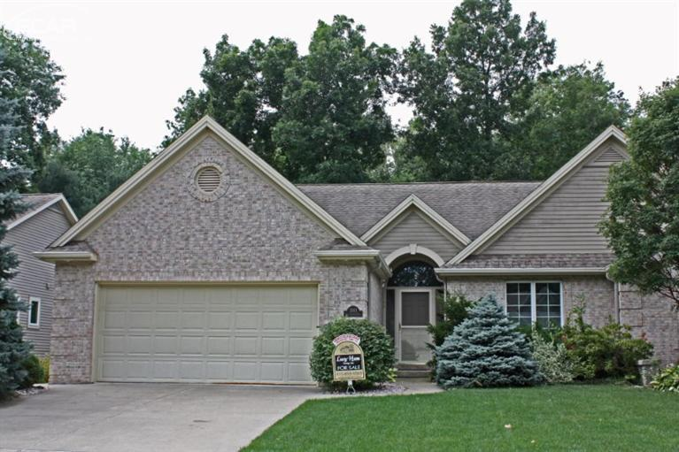 2071 Crystalwood Trl, Flushing, MI