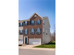 9032 Rider Dr, Fishers, IN
