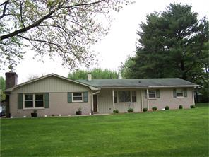 1726 Hickory Ln, Greenfield IN 46140
