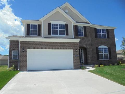 2966 Daylily Ct, Columbus, IN 47201