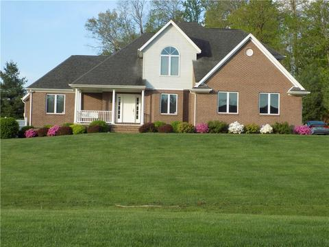 31 Valley Dr, Batesville, IN 47006