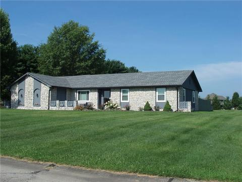 8 Al Mar Dr, Bargersville, IN 46106